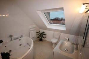 Salle de bain en sous pente