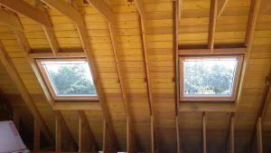 fin d'installation des espaces fenêtre dans l'aménagement des combles d'une maison lemoux