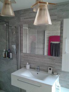 réalisation d'une salle de bain avec simple vasque