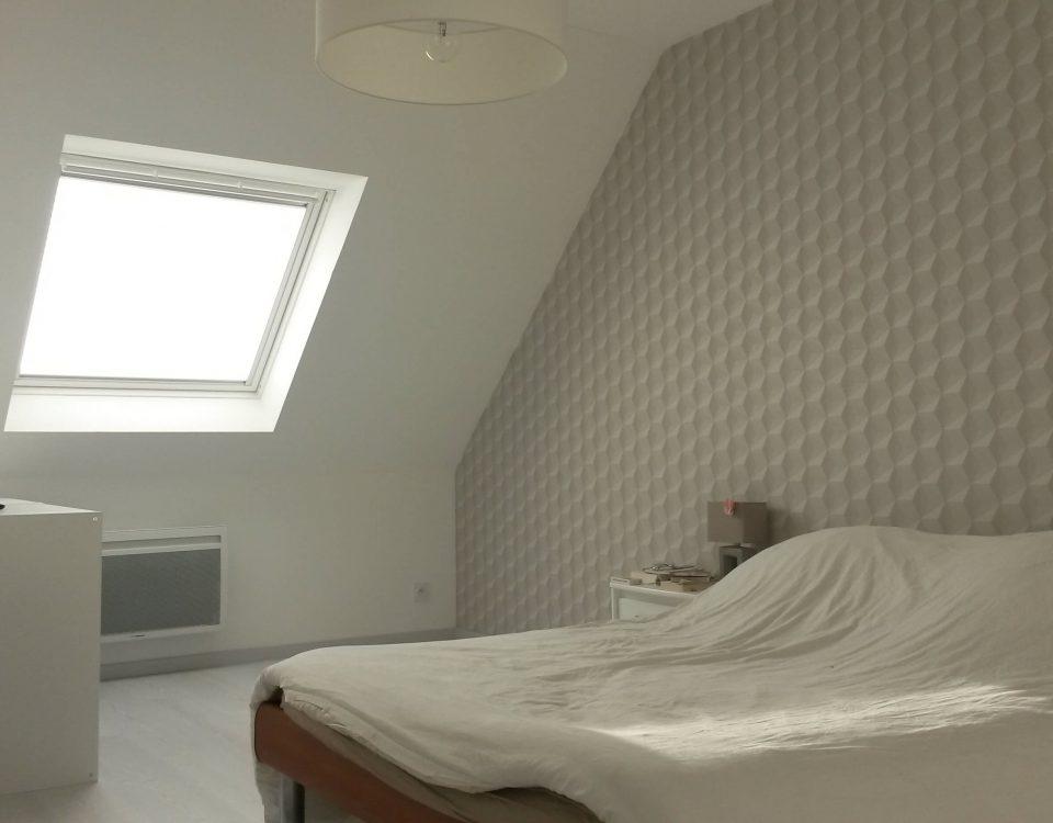 chambre pour adulte dans les combles d'une maison de landerneau