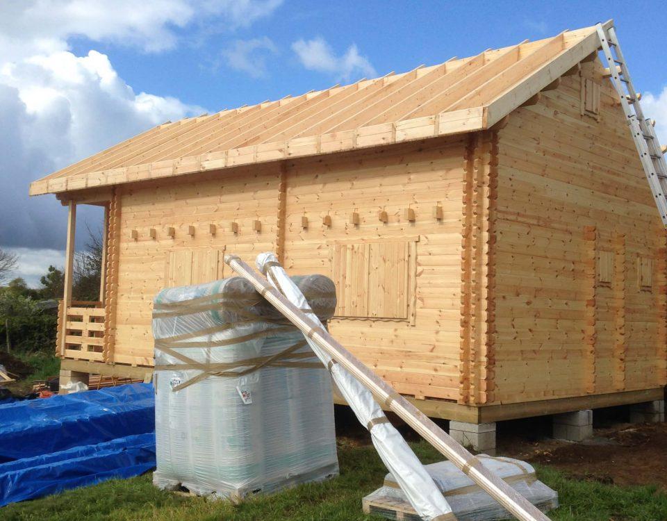 construction d'une cabane d'extérieur