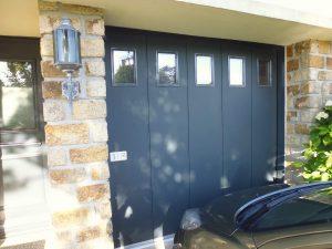 ouverture de garage moderne pour une maison de saint-renan